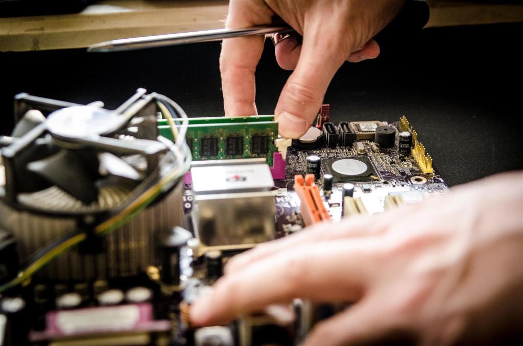 Fachmännische Computer Reparatur kann den kompletten Datenverlust verhindern